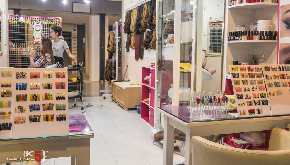 Manicure, peticure, hair extension