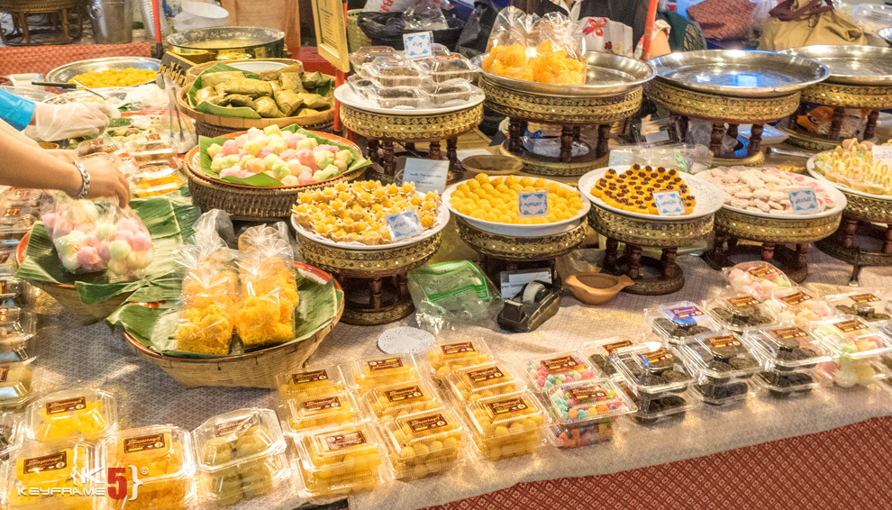 Thai desserts for sale on the ground floor of MBK