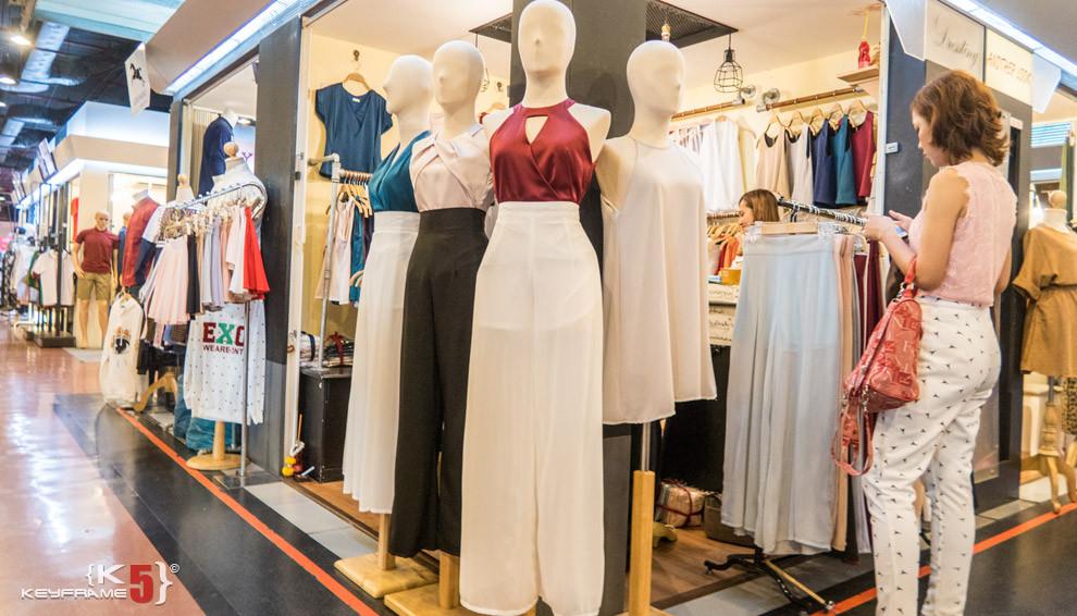 Casual dress in Union Mall, Bangkok Thailand