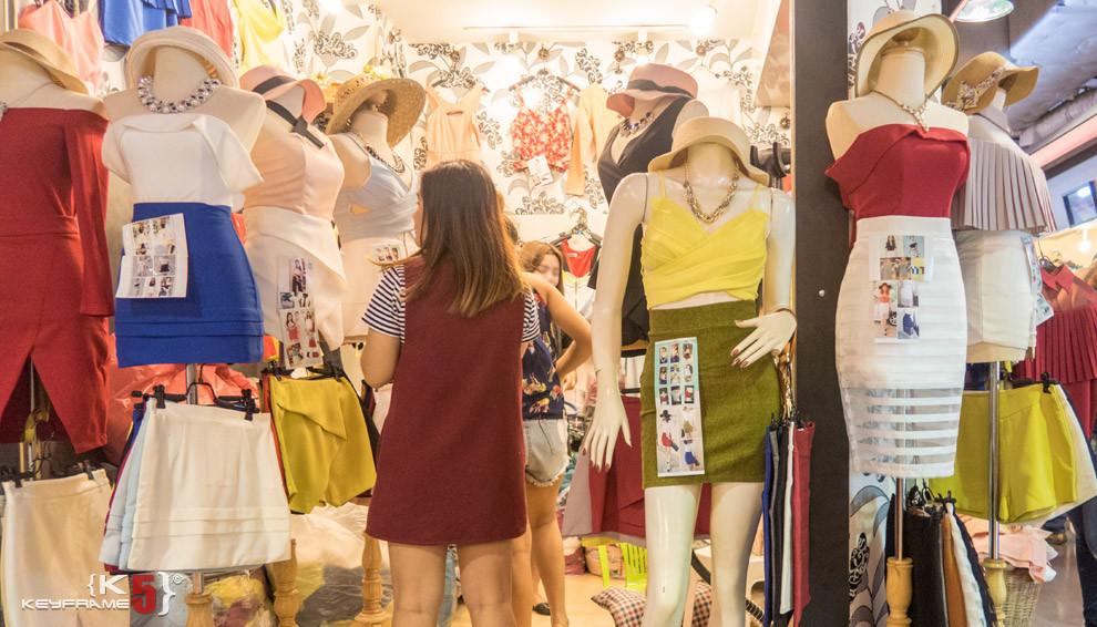Summer outfit at Union Mall, Bangkok Thailand