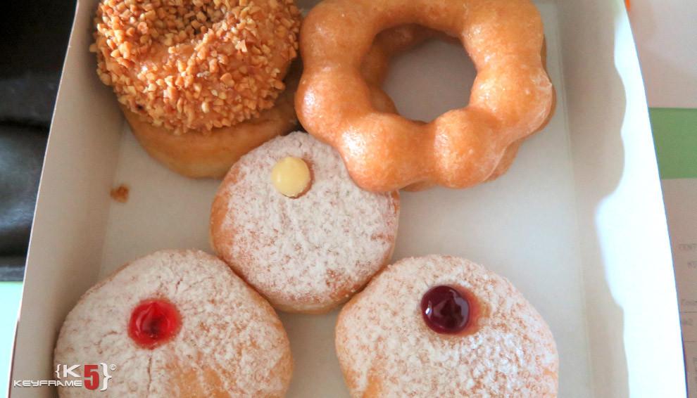 ฿106 THB - Donuts in Bangkok
