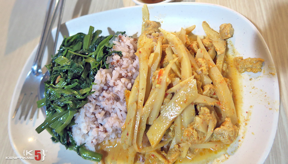 ฿50 THB - Veggie food