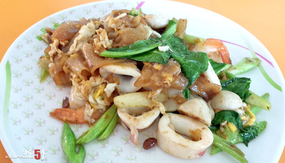 ฿60 THB - Seafood freid noodles