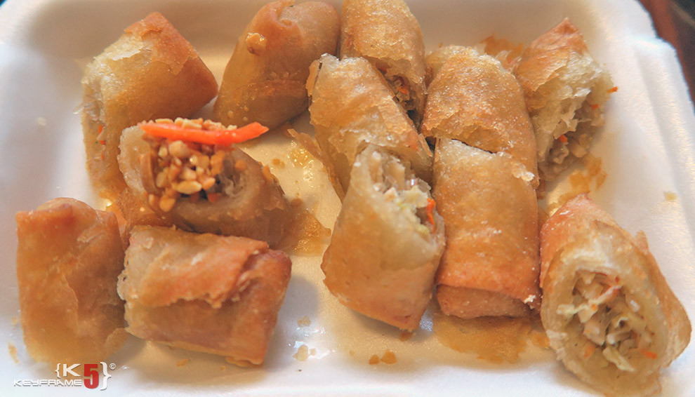 ฿50 THB - Deep fried spring rolls