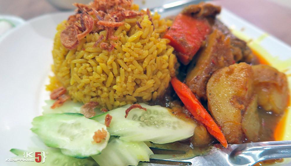 ฿55 THB - Thai curry chicken