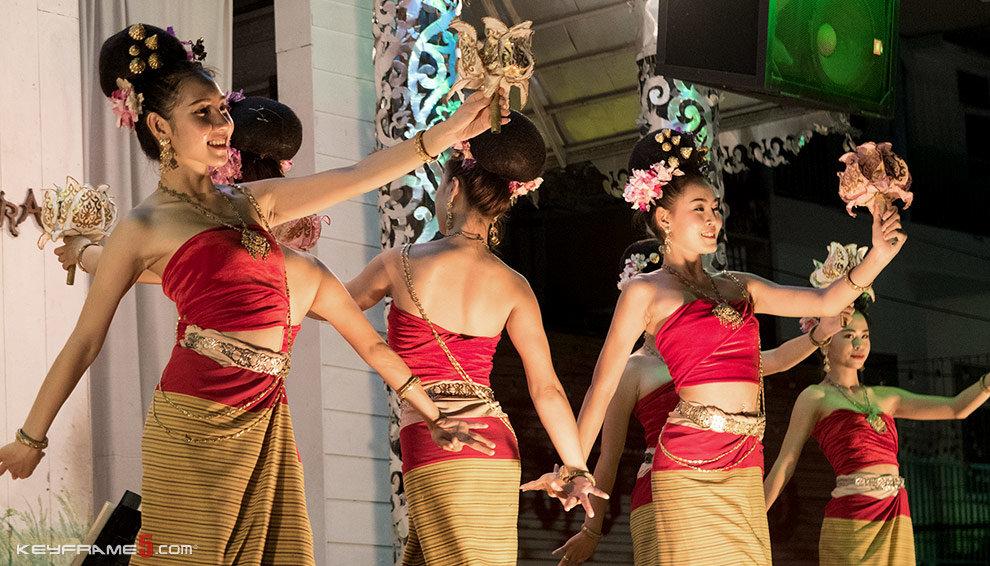 Chiang Rai Night Bazaar Dancing Thai Performers