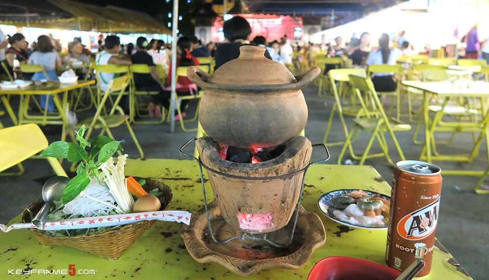 Hot pot at Night Bazaar Chiang Rai