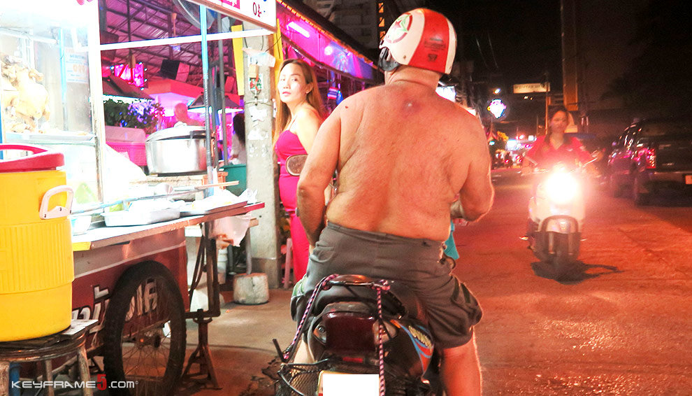 Things to be careful of in Thailand - #9 Public Nudity & Topless