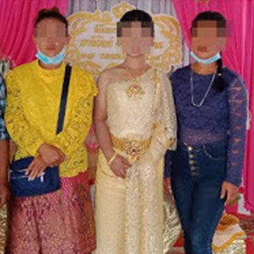 15-yr-old Girl in Tears When Her Bridegroom Didn't Show up at The Wedding